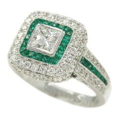Art Deco Style Ring 18 Karat White Gold Diamond Princess Cut and Emeralds