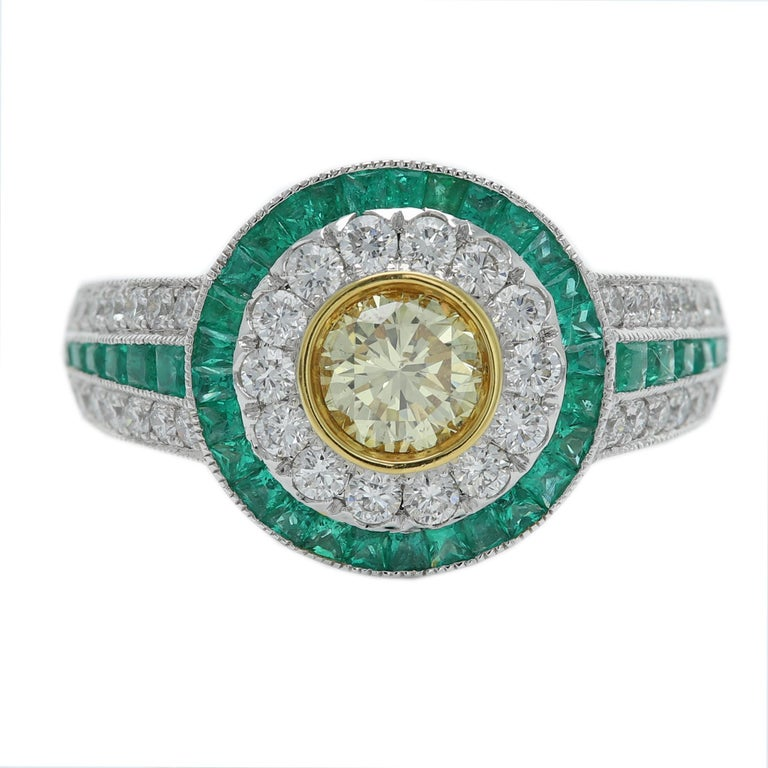 Art Deco Style Ring Emerald and Diamonds 18 Karat White Gold and Yellow Diamond For Sale 4