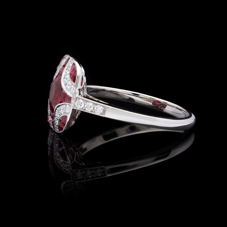 Art Deco Style Ruby and Diamond Platinum Ring In New Condition For Sale In San Francisco, CA