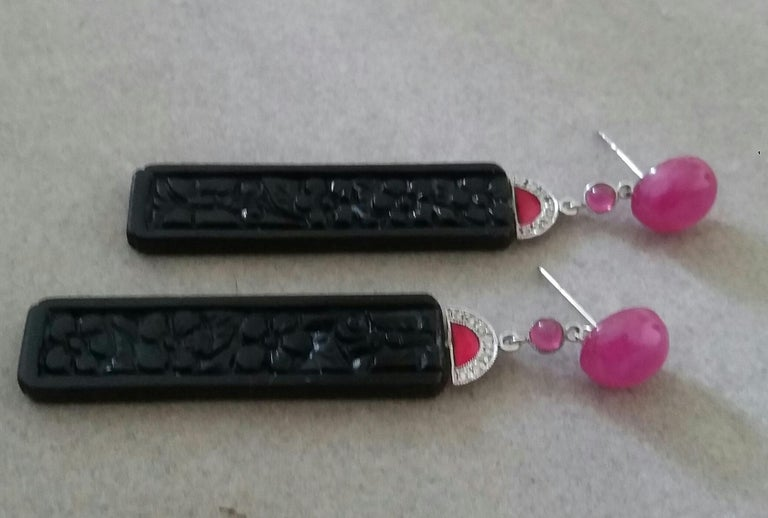 Art Deco Style Ruby Cab Gold Diamonds Red Enamel Carved Black Onyx Bar Earrings In Good Condition For Sale In Bangkok, TH
