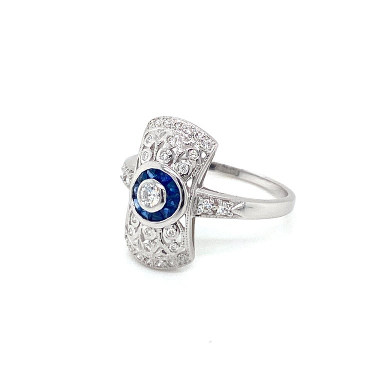 Art Deco Style Sapphire Diamond Engagement Ring Estate Fine Jewelry In Excellent Condition For Sale In Napoli, Italy