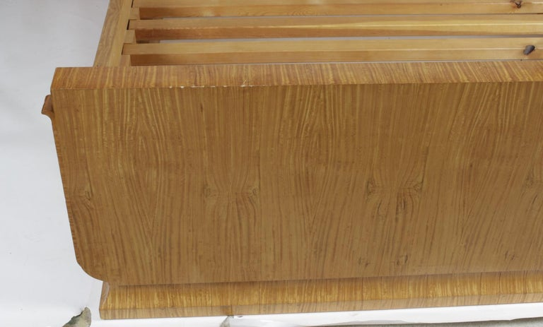 Art Deco Style Satinwood Bed once belong to Elton John In Good Condition In Chelmsford, Essex