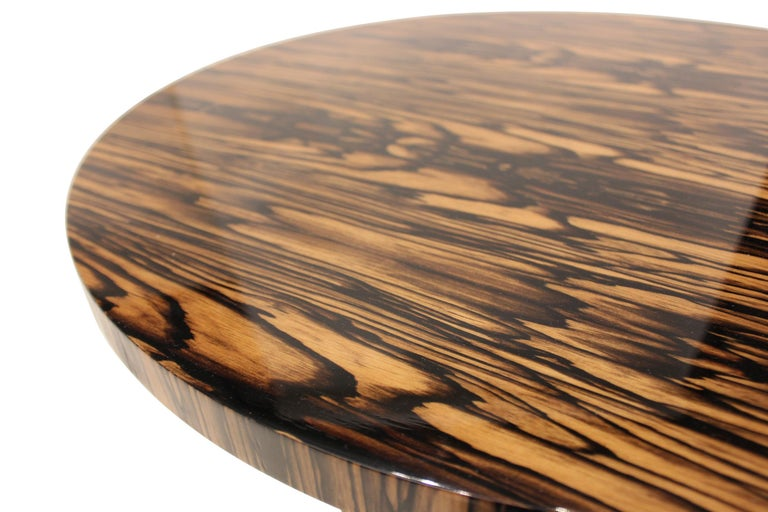 North American Modernist series Round side table in White Ebony Macassar Veneer For Sale