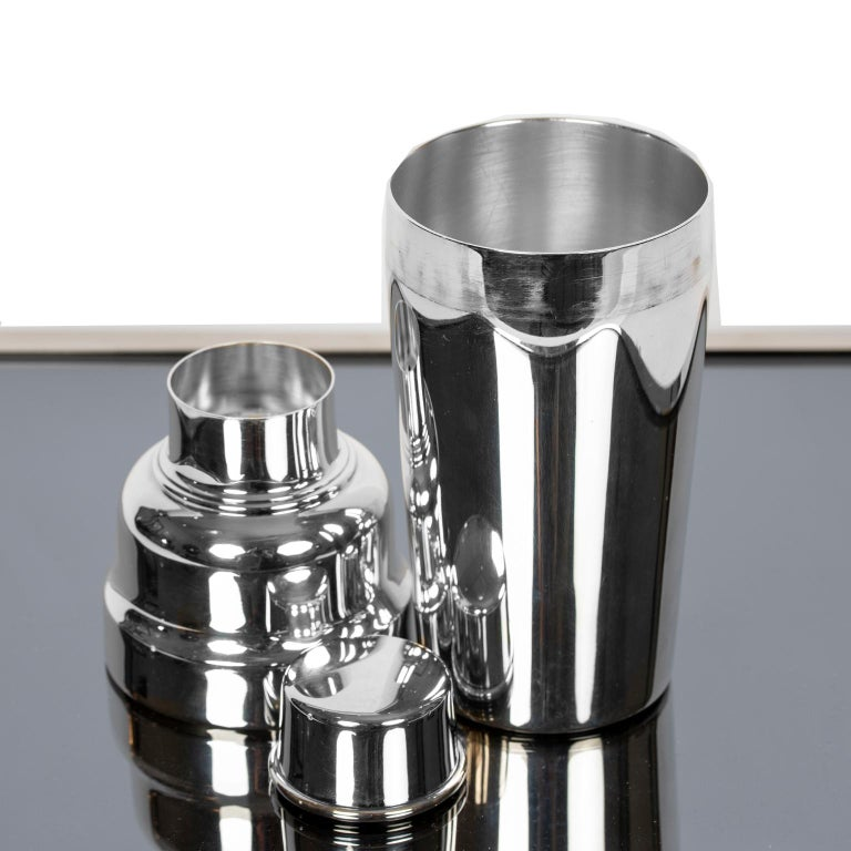 Art Deco Style Silver Plate Cocktail Shaker by Christofle For Sale 2