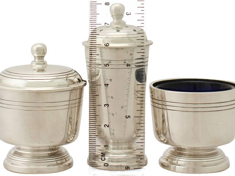 Art Deco Style Sterling Silver Condiment Set In Excellent Condition For Sale In Jesmond, Newcastle Upon Tyne