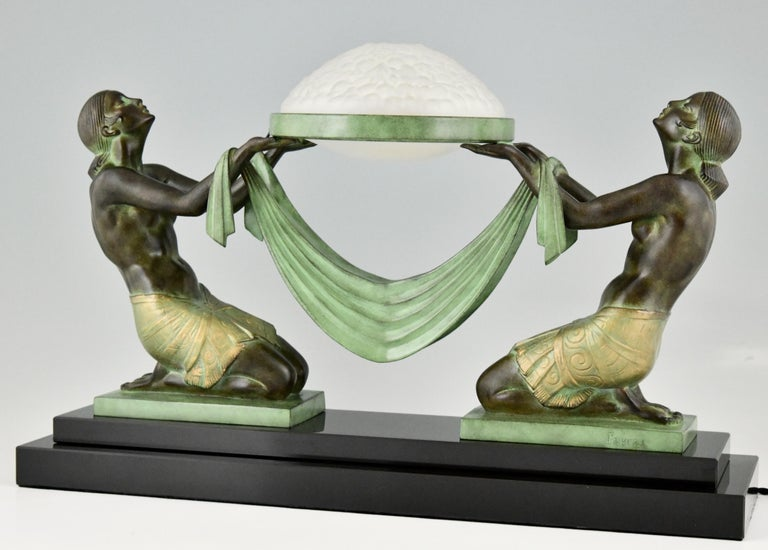 French Art Deco Style Table Lamp with Two Kneeling Nudes by Fayral for Max Le Verrier For Sale