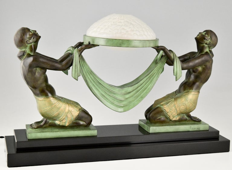 Art Deco Style Table Lamp with Two Kneeling Nudes by Fayral for Max Le Verrier For Sale 2