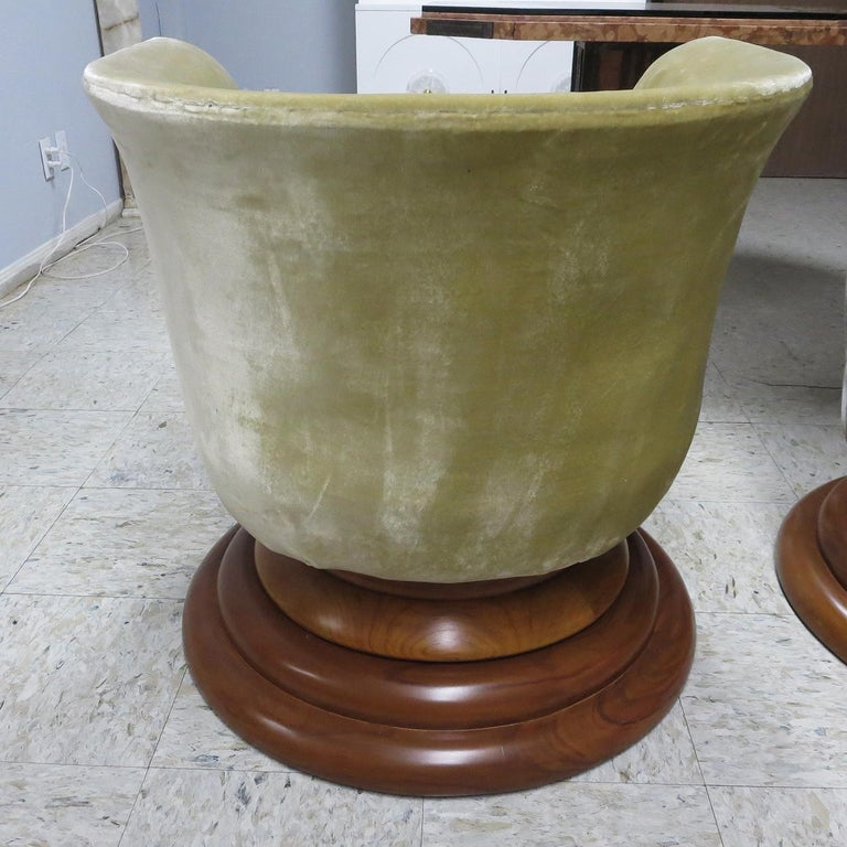 Art Deco Swiveling Tulip Chairs from Hotel Le Malandre In Good Condition For Sale In North Hollywood, CA