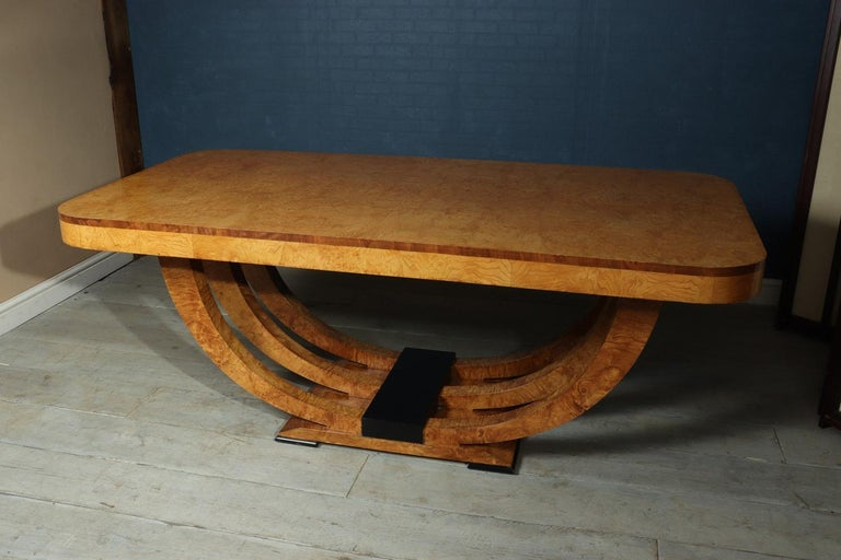 Art Deco Table in Burr Elm French, circa 1930 For Sale 6