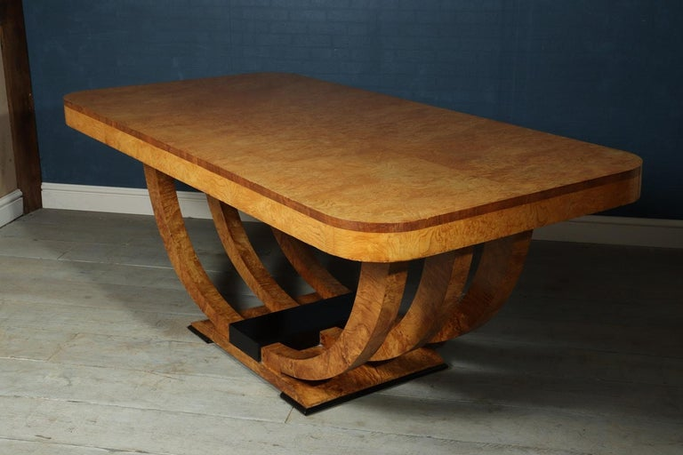 Art Deco Table in Burr Elm French, circa 1930 For Sale 7