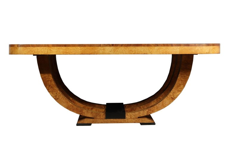 Art Deco Table in Burr Elm French, circa 1930 In Excellent Condition For Sale In Paddock Wood, Kent