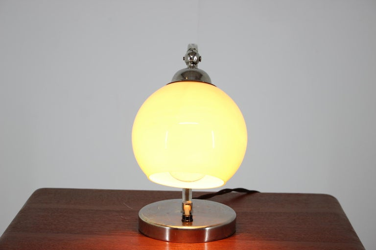 Art Deco Table Lamp, 1930s In Good Condition For Sale In Barcelona, ES