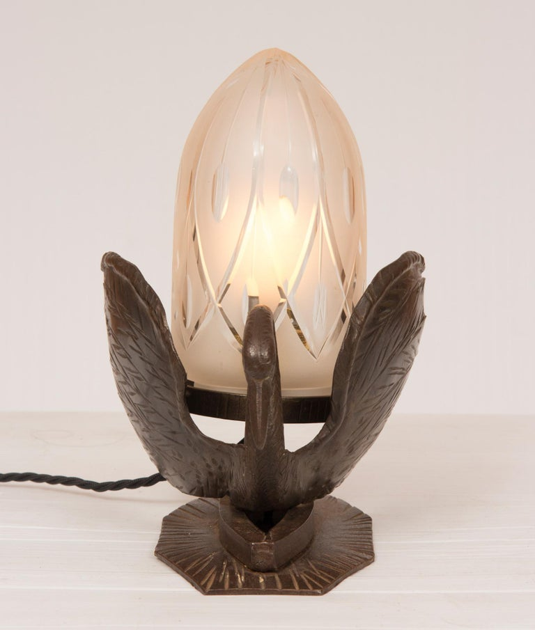 British Art Deco Table Lamp Bronze in the Form of a Swan For Sale