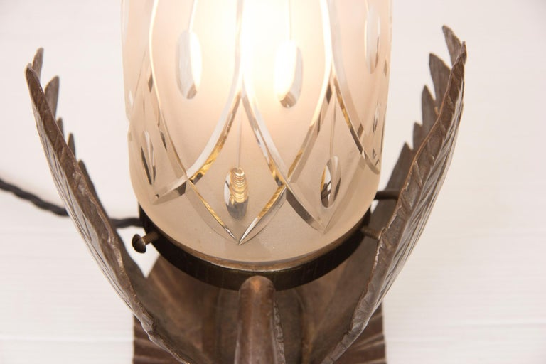 Art Deco Table Lamp Bronze in the Form of a Swan In Good Condition For Sale In London, GB