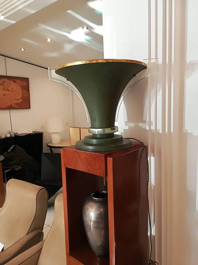 Art Decotable lamp, circa 1930, metal and glass, perfect on a pedestal (cf 2nd photo) Measure: Diameter 35cm Diameterbase 24cm.