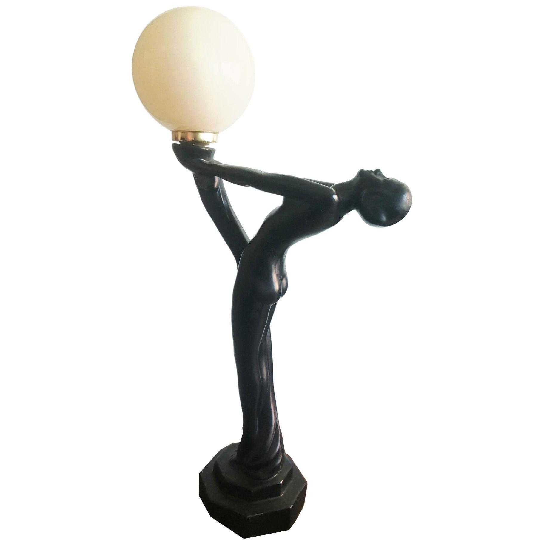 Mid-20th Century Art Deco Table Lamp Whit Opaline Balloon