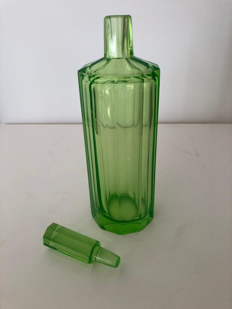 Art Deco Tall Slender Vaseline Glass Decanter / Cologne Bottle In Excellent Condition For Sale In Westport, CT