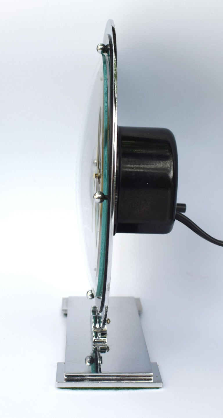 Art Deco Temco Chrome Electric Mantel Clock, 1930s In Excellent Condition For Sale In Devon, England