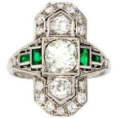 Art Deco Three-Stone Diamond and Emerald Ring in Platinum, circa 1930