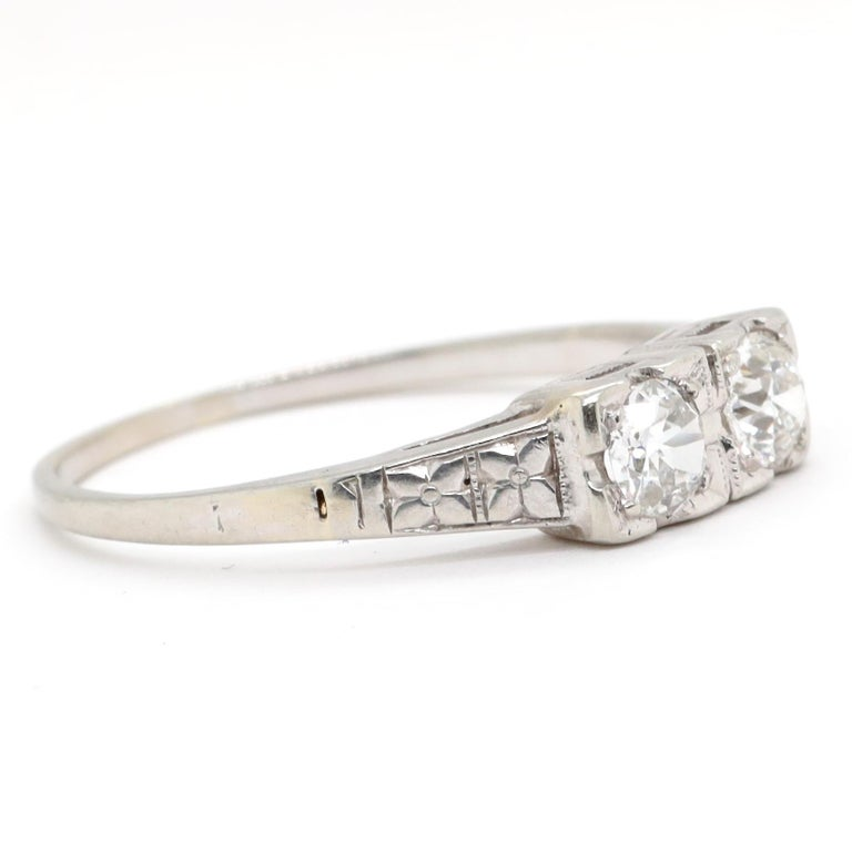 Art Deco Toi et Moi Old European Cut Diamond Platinum Ring In Excellent Condition For Sale In Beverly Hills, CA