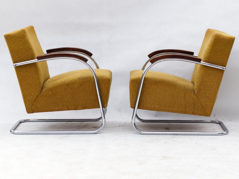 Mid-20th Century Art Deco Tubular Steel Cantilever Armchairs Fn 21 by Mücke & Melder, circa 1930 For Sale