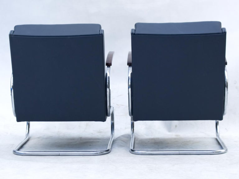 Blue Art Deco Tubular Steel Cantilever Armchairs Fn 24 by Mücke & Melder, 1930s In Good Condition For Sale In Lucenec, SK