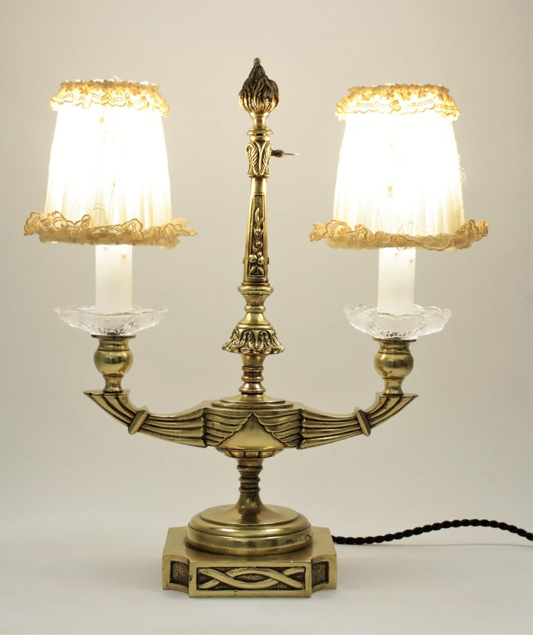 Art Deco Two-Arm Brass and Glass Table Lamp with Lace Shades on a Wooden Base For Sale 4