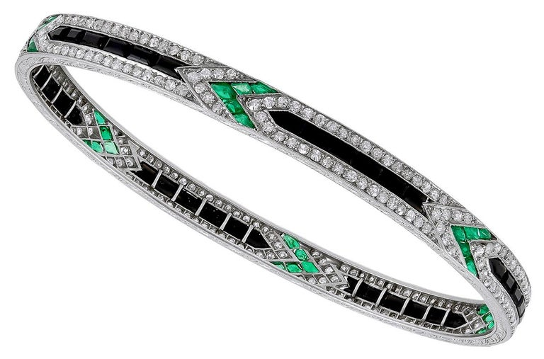 Women's or Men's Art Deco Van Cleef & Arpels Diamond Emerald Onyx Bangle For Sale