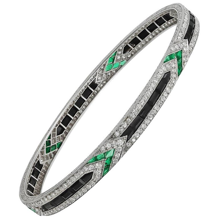Art Deco Van Cleef & Arpels Diamond Emerald Onyx Bangle For Sale
