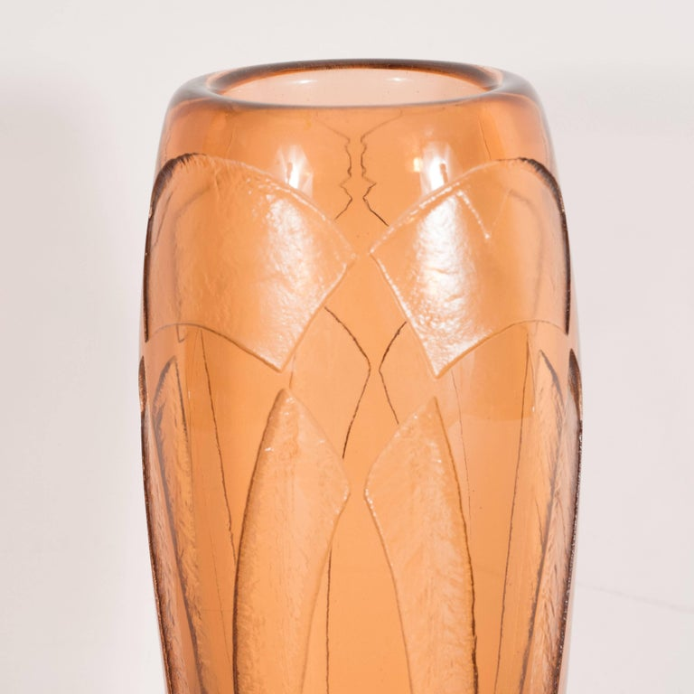 Art Deco Vase in Translucent Cognac with Cubist Geometric Patterns In Excellent Condition For Sale In New York, NY
