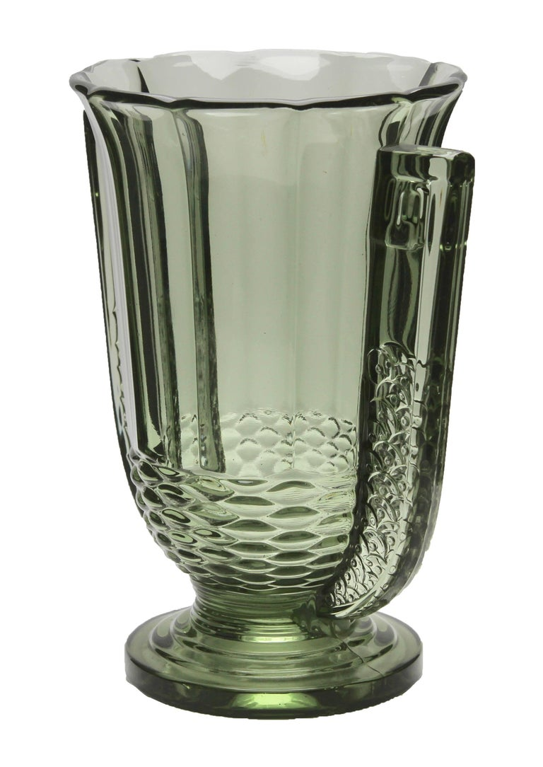 Roméo Vase A rare work of the vase Romeo well-known in the Luxval series, The vase was produced by Val Saint Lambert in their Luxval series, in the 1930s.