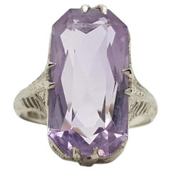 Art Deco Vintage 14 Karat White Gold Amethyst Filigree Ring