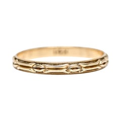 Art Deco Vintage 14 Karat Gold Etched Wedding Band Milgrain Thin Stackable