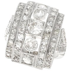 Art Deco Vintage 1940s 2.66 Carat Diamond and Platinum Cocktail Ring