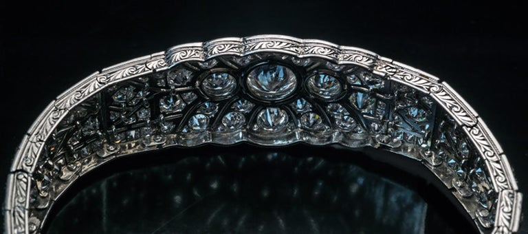 Art Deco Vintage Diamond Platinum Bracelet In Excellent Condition For Sale In Chicago, IL