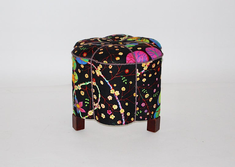 Art Deco Vintage Multicolored Fabric Stool or Pouf, Austria, 1930s In Good Condition For Sale In Vienna, AT