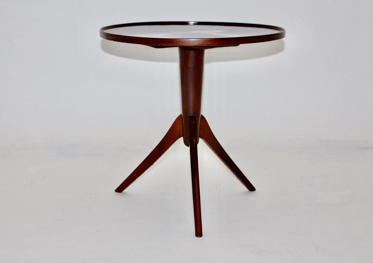 Art Deco Vintage Walnut Round Side Table Attributed Josef Frank, 1930s, Vienna In Good Condition For Sale In Vienna, AT