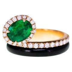Art Deco Vivid Green Emerald Ring with Natural Pink Diamond