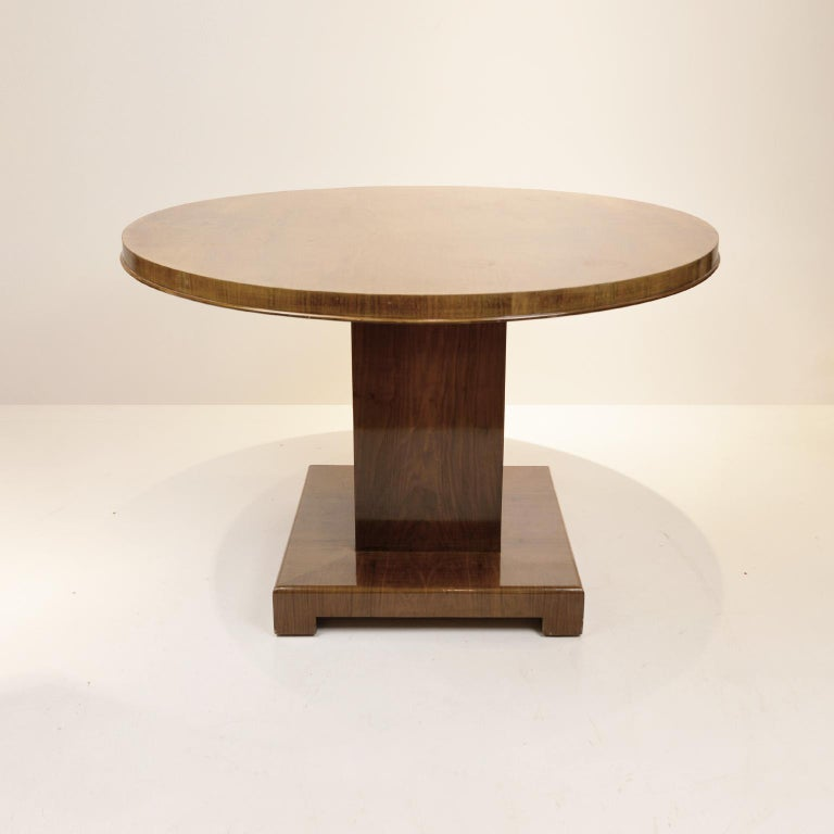 Veneer Art Deco Walnut Round Dining Table, Germany, circa 1930 For Sale