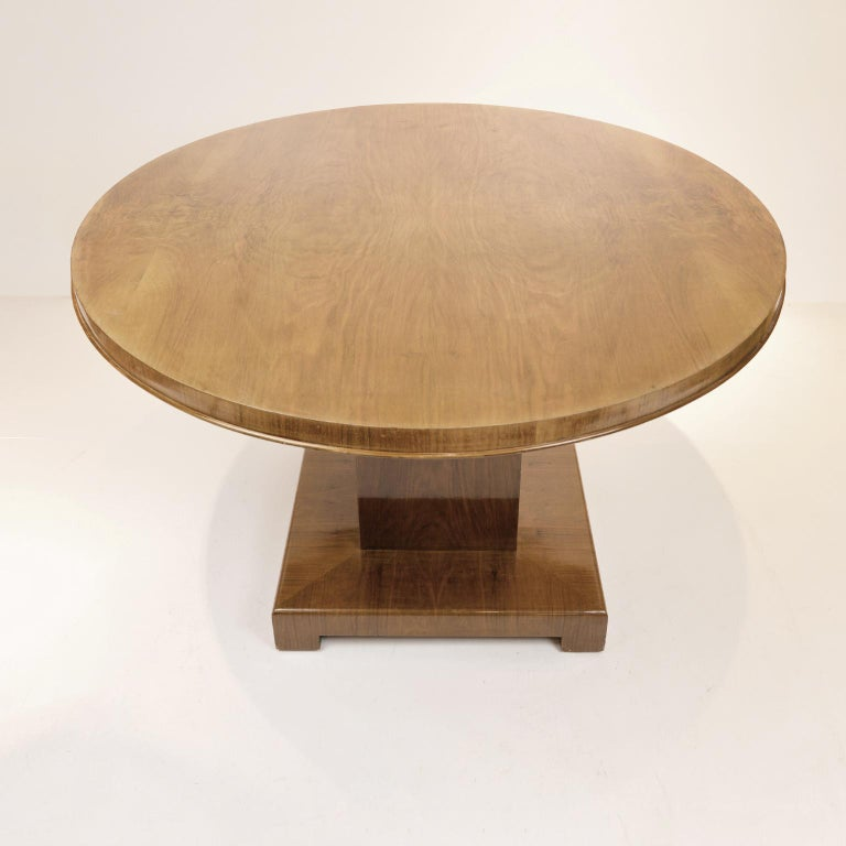 Mid-20th Century Art Deco Walnut Round Dining Table, Germany, circa 1930 For Sale