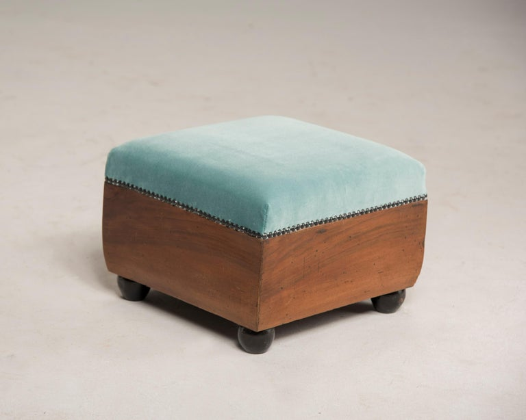 Art Deco Walnut Wood Armchairs and Ottomans in Light Green Velvet For Sale 13