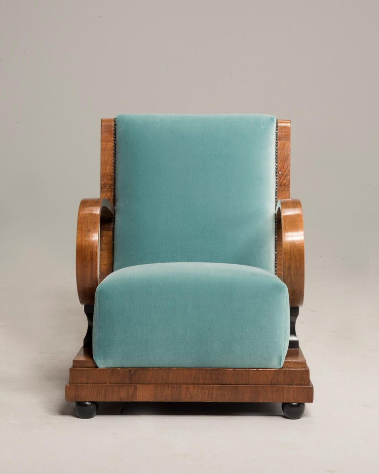Art Deco Walnut Wood Armchairs and Ottomans in Light Green Velvet For Sale 5