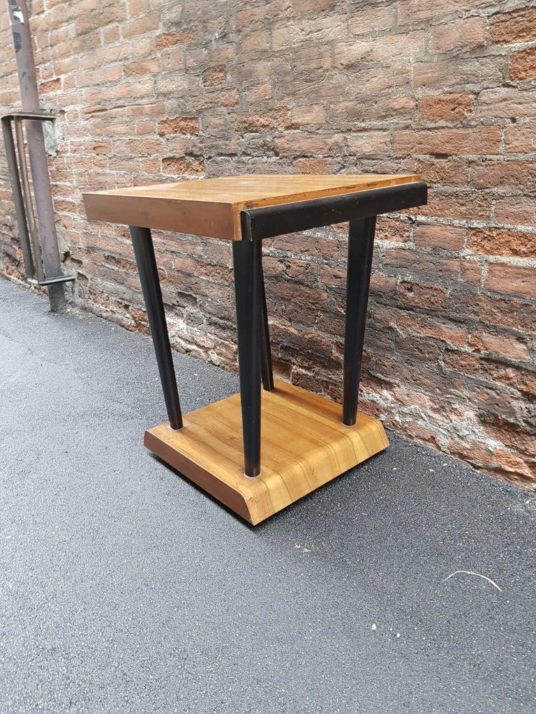 20th Century Art Deco Walnut Wood Black Ebonized Legs Squared Side or Coffee Table For Sale