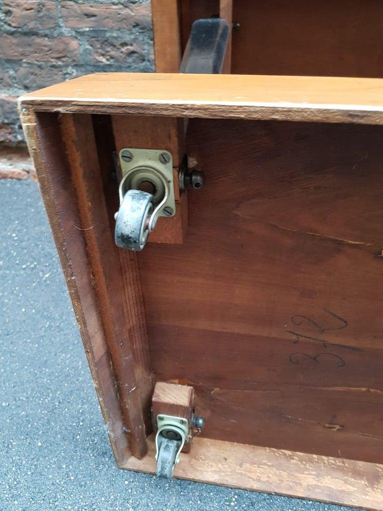 Art Deco Walnut Wood Black Ebonized Legs Squared Side or Coffee Table For Sale 2