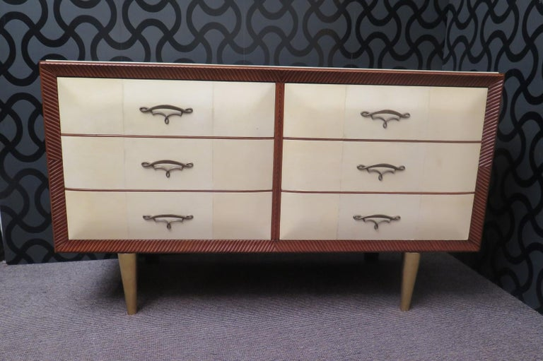 Art Deco Walnut Wood GoatSkin and Brass Italian Chest of Drawers, 1940 For Sale 7