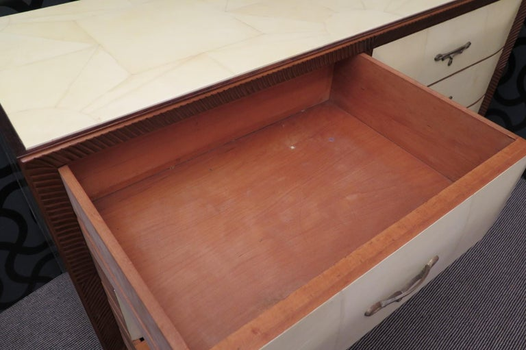 Art Deco Walnut Wood GoatSkin and Brass Italian Chest of Drawers, 1940 For Sale 9