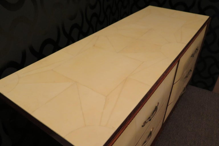 Art Deco Walnut Wood GoatSkin and Brass Italian Chest of Drawers, 1940 For Sale 4