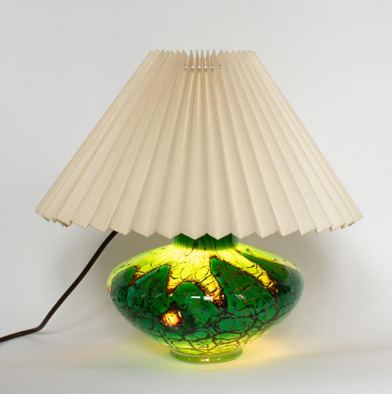 Art Deco WMF Ikora Art Glass in Green, Black and Gold, Table Lamp In Good Condition For Sale In Stockholm, SE