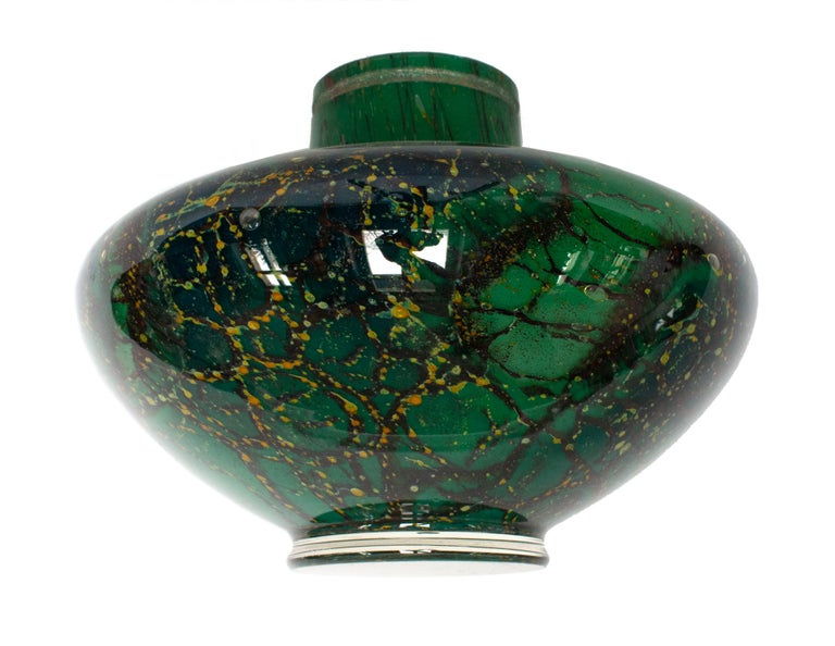 Art Deco WMF Ikora Art Glass in Green, Black and Gold, Table Lamp For Sale 1