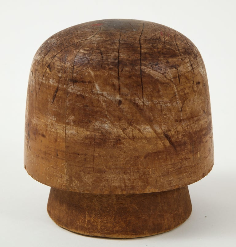 Art Deco Wooden Hat Form In Good Condition For Sale In New York, NY